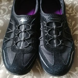 Skechers walking/jogging shoe